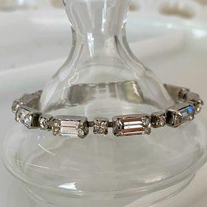Weiss Rhinestone Bracelet 🌿